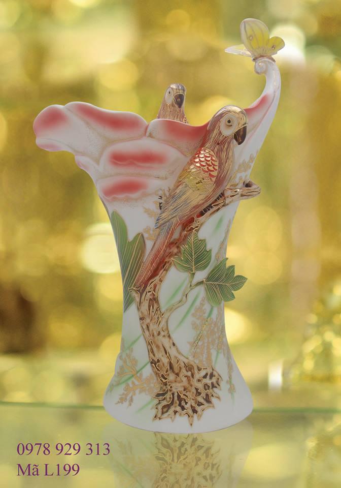 Sứ mỹ nghệ cao cấp - sứ vẽ vàng (www.facebook.com/SuMyNgheVNVeVang),